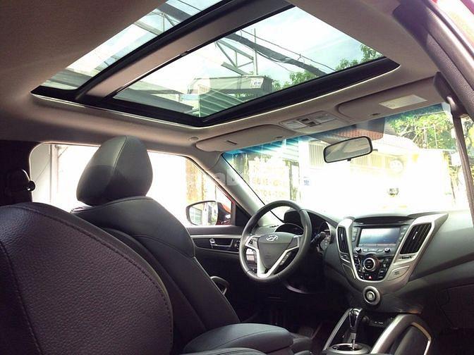 Cần bán xe Hyundai Veloster 2012 tự động màu đỏ nhập khẩu