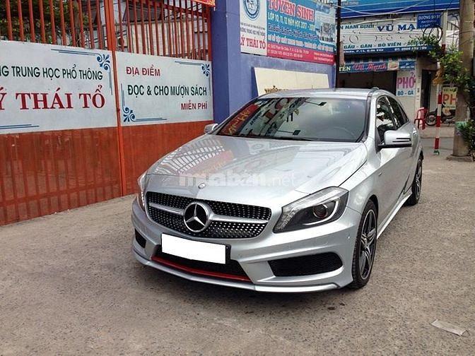 Cần bán chiếc Mercedes A250 AMG 2015 màu bạc, nhập khẩu Đức