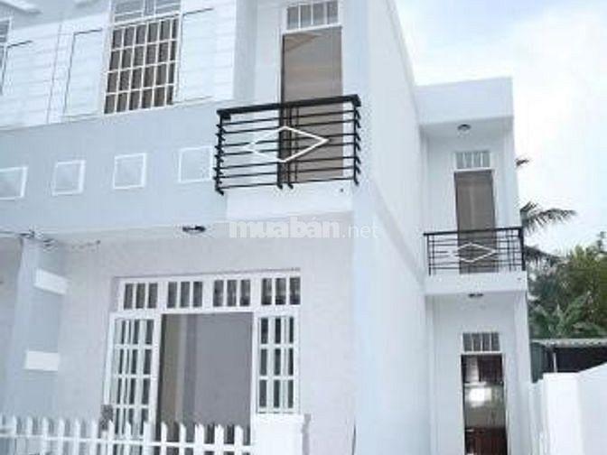 Cần tiền nên bán gấp nhà 1 lầu, 2PN, gần Chợ Hưng Long, SHR, giá 370Tr