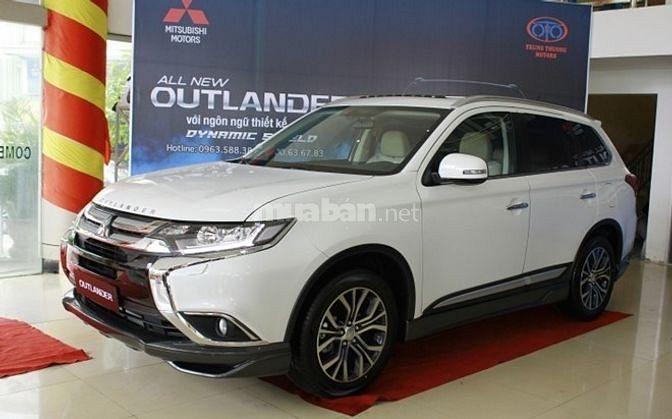 Outlander 7 chỗ,góp 90%xe,7lit/100km,rẻ Đà Nẵng,lăn bánh 904 triệu
