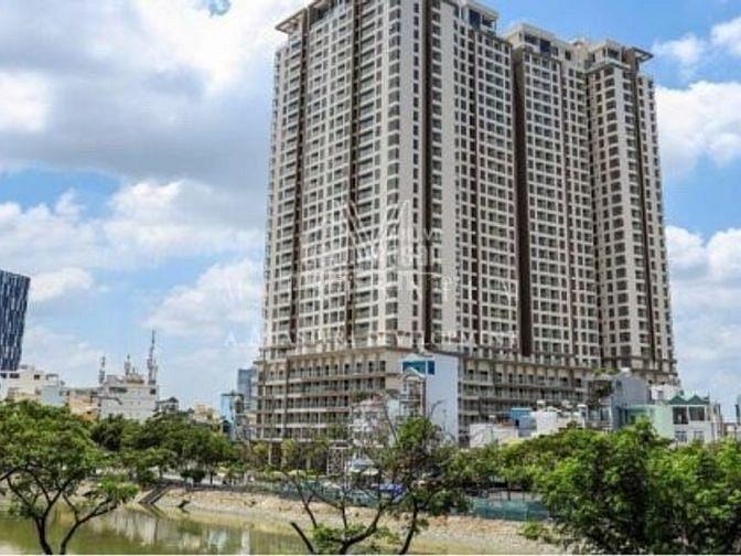 Cần bán căn hộ Millenium, Quận 4, dt 65m2, giá 4,1 tỷ