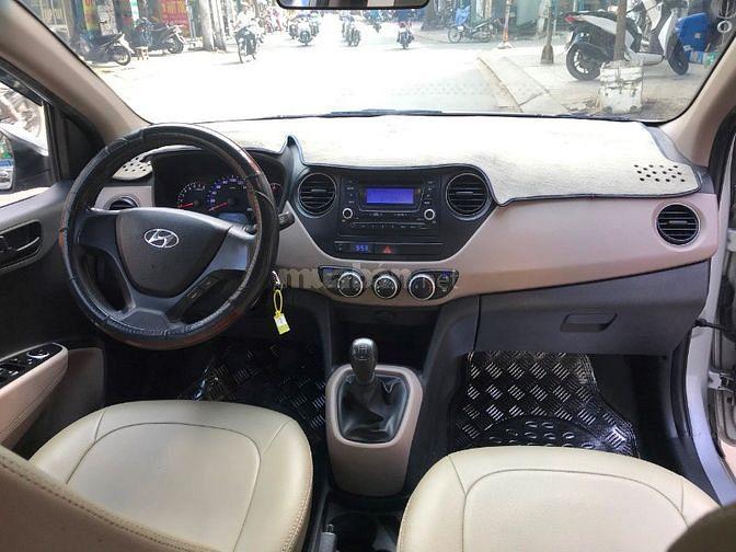 Shop kẹt tiền hàng bán Hyundai I10 số sàn màu bạc 2017 rất mới