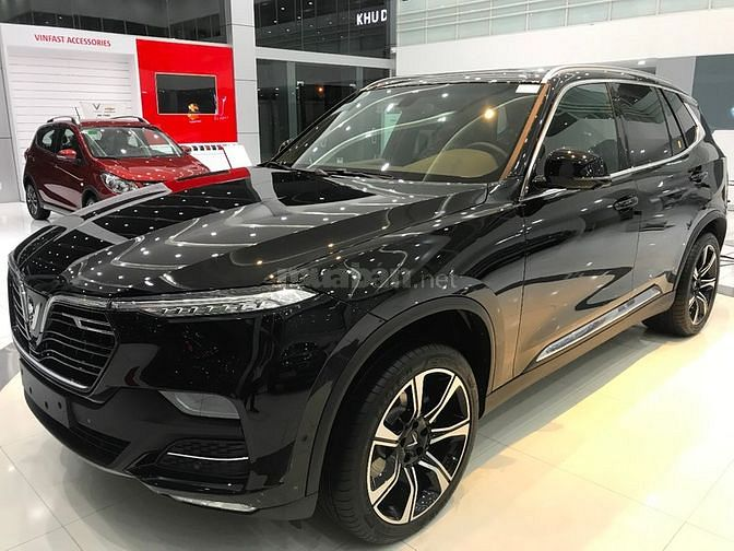 VINFAST LUX A2.0 - GIAO XE LIỀN
