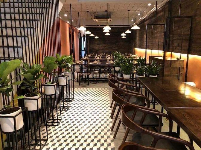 Nhượng nhà hàng ăn ở phố Mai Hắc Đế, DT 120m2x 4 tầng
