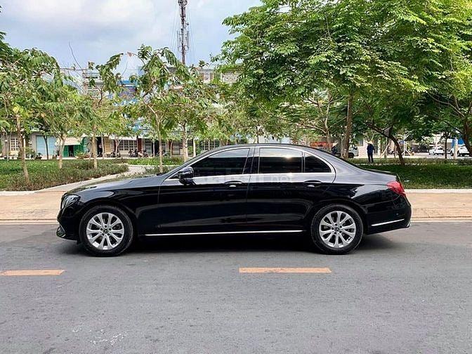 Bán Mercedes E200 màu đen 2018 đk 2019 tự động zin như mới.