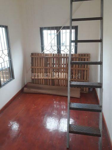 Chính chủ cần bán nhà tập thể 3 tầng, giá rẻ tại Tân Mai, Hà Nội.
