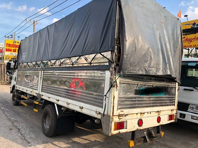 Isuzu NQR75M mui bạt thùng dài 6m2, tải trọng 4950kg,sx 2017