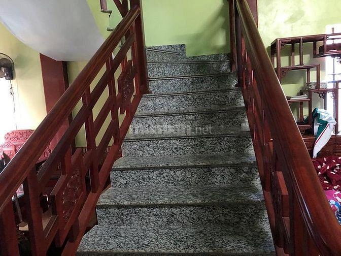 Bán đất thị trấn Chờ tặng ngay nhà 3 tầng đẹp lung linh