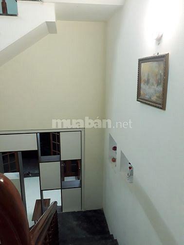 Cho thuê nhà 3 tầng đủ NỘI THẤT gần cầu Trần THị Lý