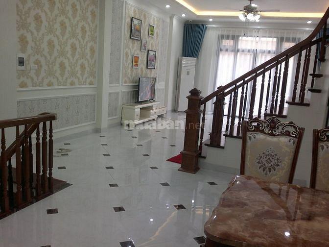 Mình bán nhà 5 tầng,cạnh phòng CC số 7 Hà Nội.(KD hoặc làm văn phòng)
