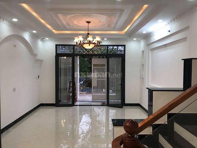 Bán gấp nhà đẹp sổ vuông đường Âu Cơ Tân Phú dt 24m2 giá 2.3 tỷ.