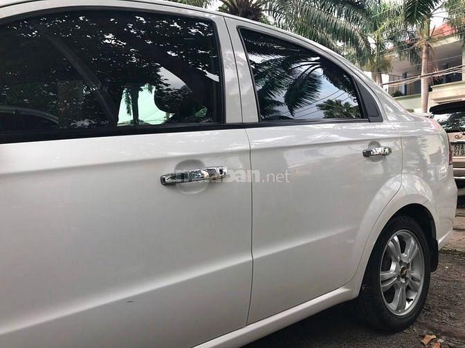 Bán xe Du lịch Chevrolet Aveo 2016, số tự động, màu trắng giá 320tr