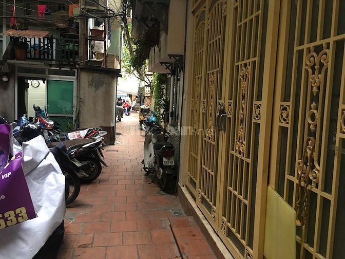 Nhà riêng 4 tầng phố Trần Hưng Đạo, gần Hàng Bài