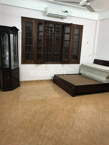 Cho thuê nhà 35mx5 tầng Hồ Ba Mẫu Xã Đàn Đống Đa