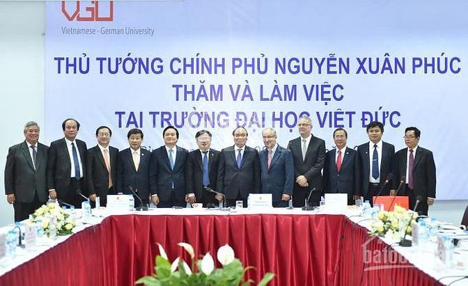 Cần bán gấp đất đối diện ĐH Quốc Tế Việt Đức ,MT 62m, SHR ,TC 100%