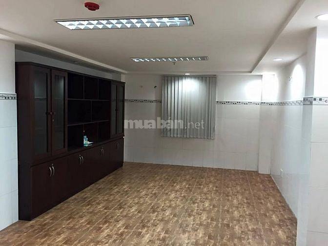 Văn phòng Trần Phú, Q5 cần cho thuê, giá 10tr/tháng, bao phí dịch vụ
