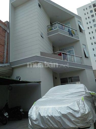 Cho thuê Lầu 3, có lối riêng, có sân xe riêng 60m2, Phạm Văn Đồng