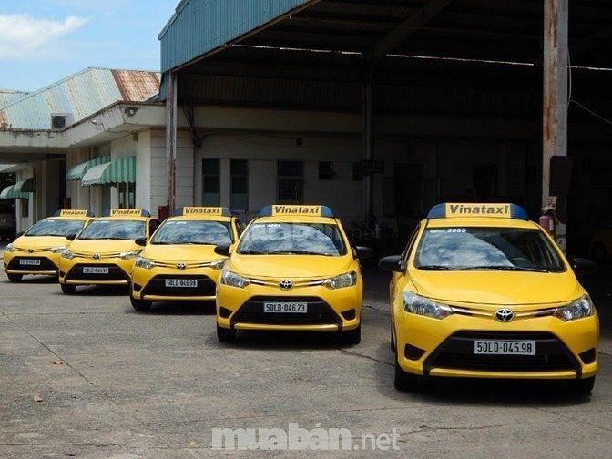 Tuyển dụng lái xe taxi theo hình thức Khoán ca
