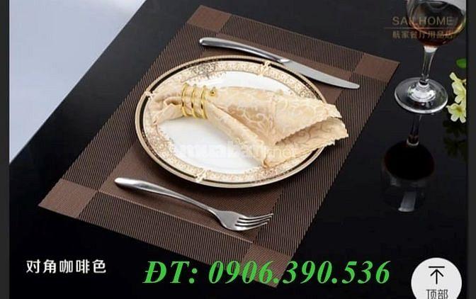 Tấm placemat hoa văn trang trí bàn ăn đẹp, sang trọng