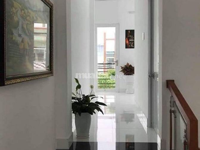 Cần tiền trả Ngân Hàng bán rẻ gấp nhà 3,5 tầng Lakeside Palace