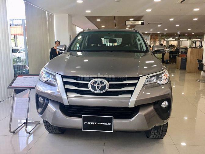 Toyota Fortuner 2.4 Số sàn máy dầu 2019 - Tặng 50% phí trước bạ