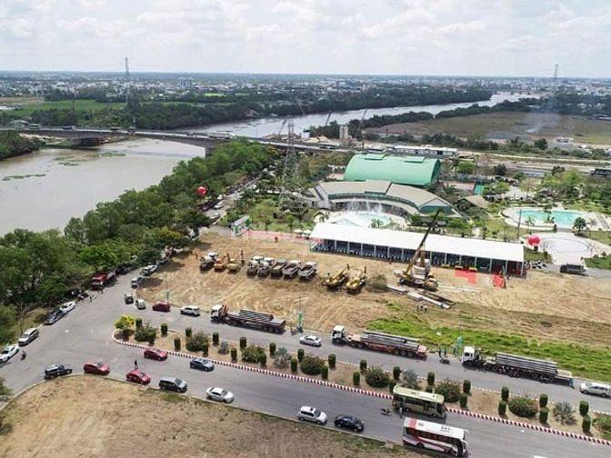 Biệt thự ven sông Vàm Cỏ Tây ngay trung tâm thành phố Tân An.