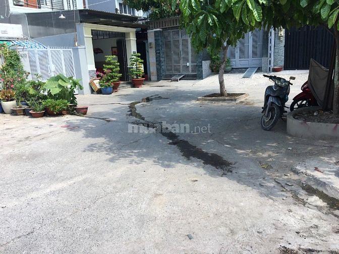 Cần bán nhà đường 145 Đỗ Xuân Hợp, Phước Long B, Quận 9