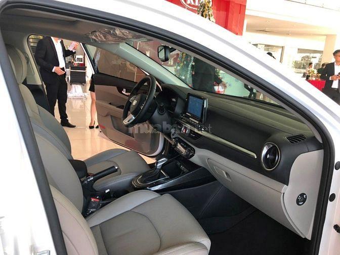 Kia Cerato 2019 giảm tiền mặt lên đến 20 triệu,có xe giao ngay, đủ màu
