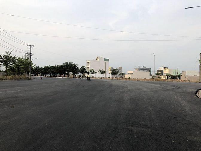 Vị trí nằm trên đường Trần Văn Giàu , xã Phạm Văn Hai , Bình Chánh. Về