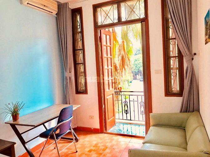 Cho thuê phòng, đường Đặng Thai Mai, rất gần Hồ Tây.