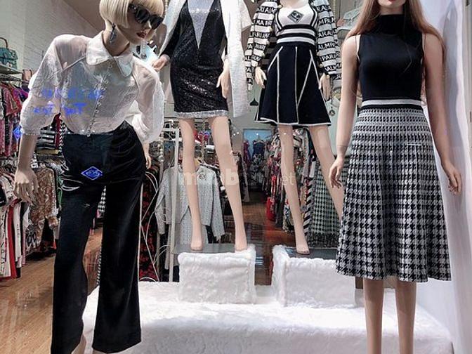 Shop Thời Trang Q1 Tuyển Nữ Bán Hàng Theo Ca