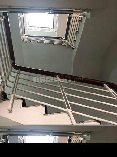Nhà 1 trệt, 3 lầu Mặt tiền đường Lê Văn Việt, Tăng Nhơn Phú A, Quận 9