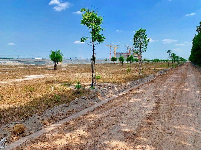 Đất mặt tiền 32m, đối diện KCN Becamex, giá thương lượng