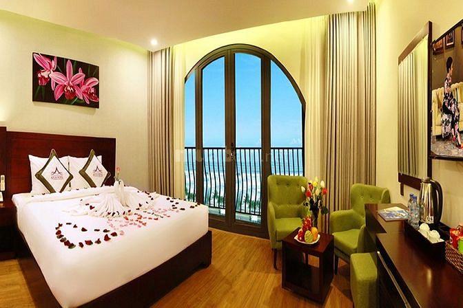 Bán khách sạn 1 trệt 6 lầu 25p giá rẻ đường Hạ Long ngay Lan Rừng: