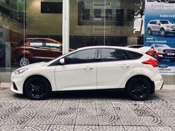 Ford Focus 2019 giảm 60 triệu tặng phụ kiện xe